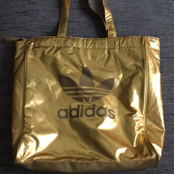 meilleures baskets 4f4c5 73473 Adidas trefoil Logo Gold lame' tote zipper top